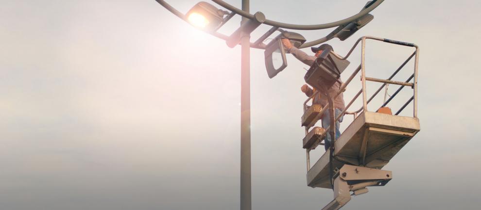 Gemeenten over op LED verlichting, besparen